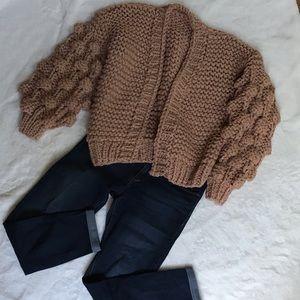 NWOT Cropped loose knit cardigan